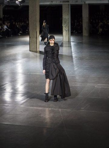 Yohji Yamamoto Fall 2017 Fashion Show Atmosphere Cont.