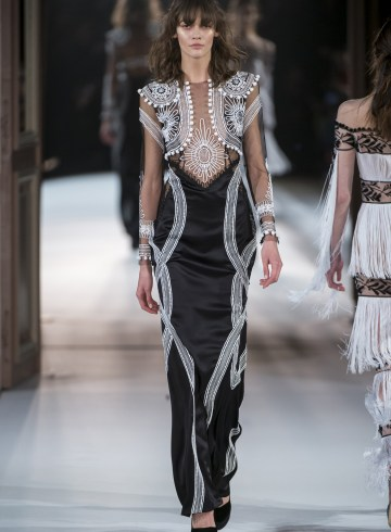 Yanina Couture Spring 2017 Couture Fashion Show