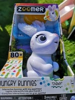zoomer hungry bunnies, spinmaster, eating bunny