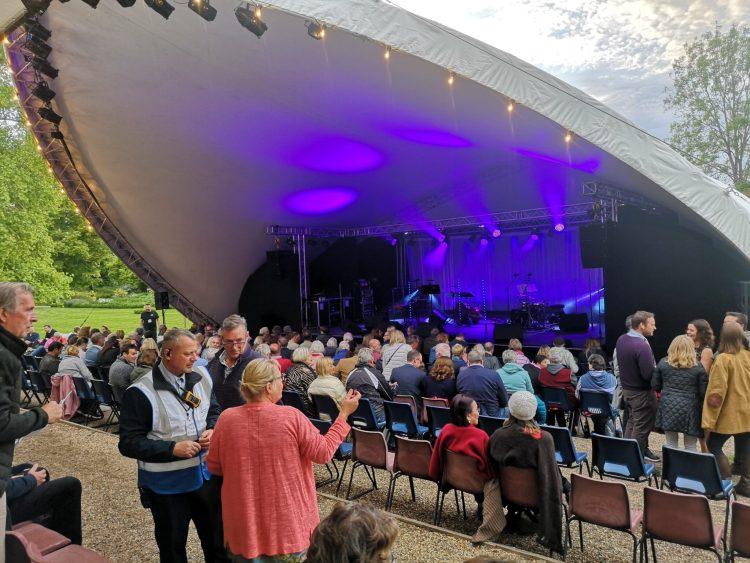 hever castle, festival theatre hever, edenbridge, sevenoaks, kent