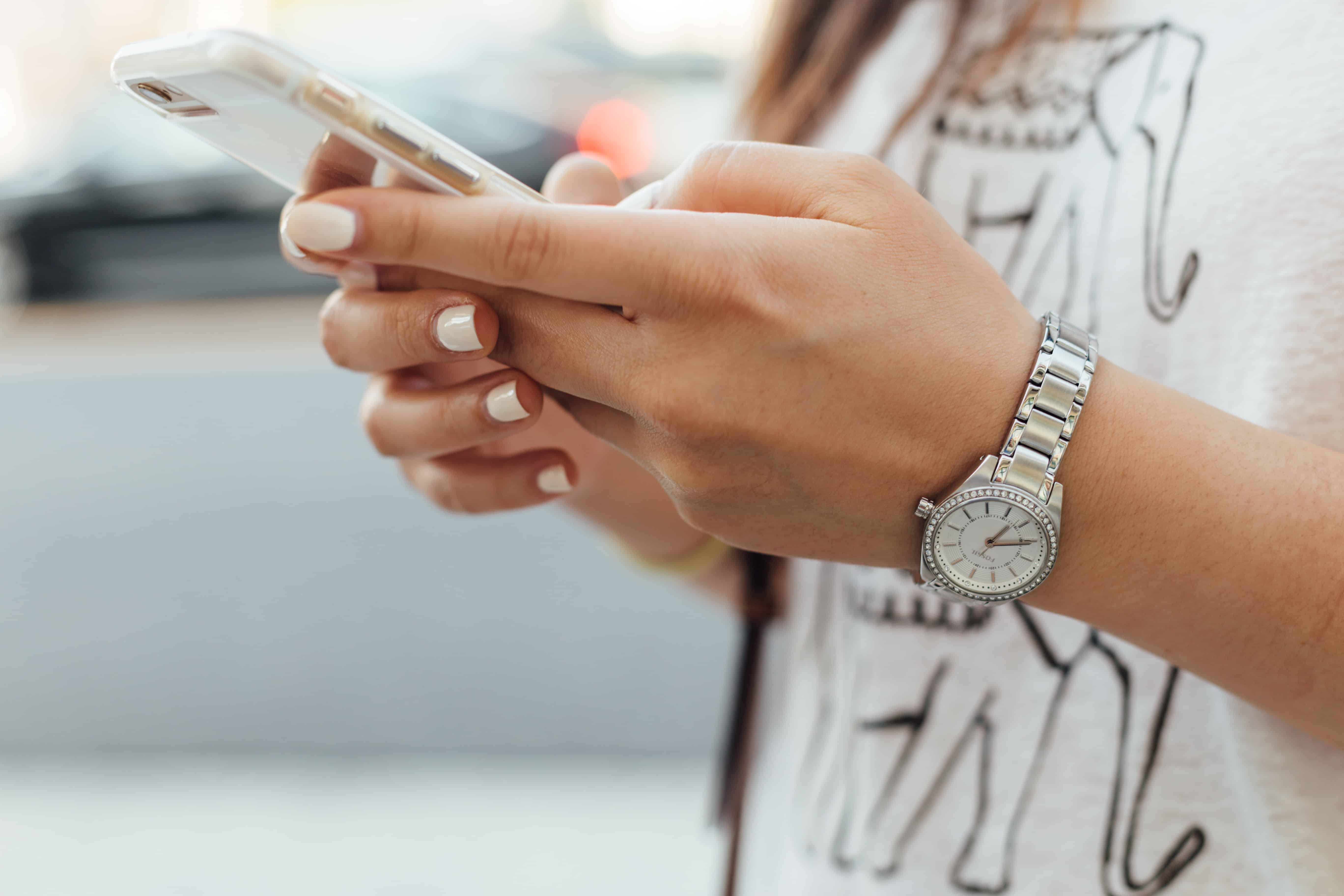 smartphone addiction mom