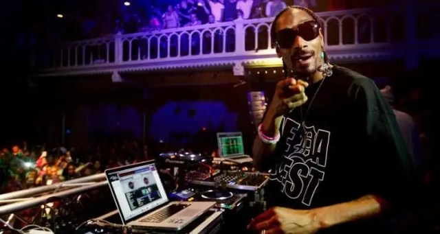 DJ Snoopadelic Gifting 20 Tickets to Single Mothers in Montreal
