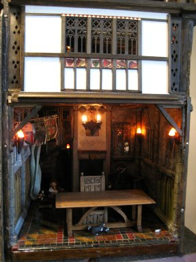 theinfill - Medieval, Tudor, Jacobean dolls house - sliding fourth wall