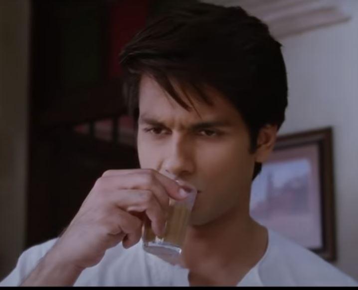 Shahid Kapoor Hair Style in Teri Meri Kahani Movie