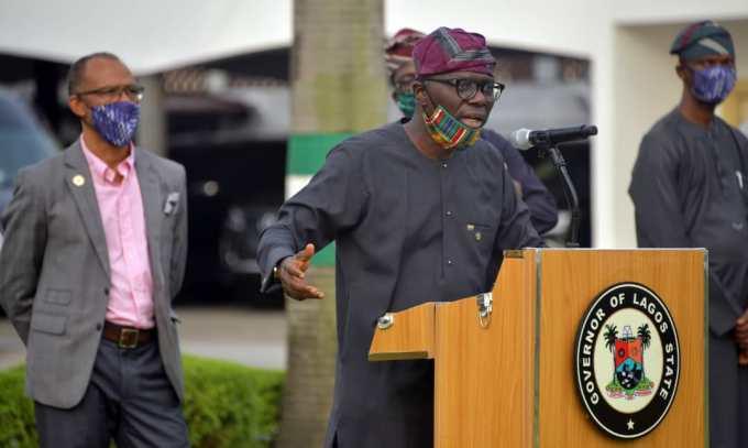 Moments Gov. Babajide Sanwo-Olu rocked locally made facemasks (Photos) 7
