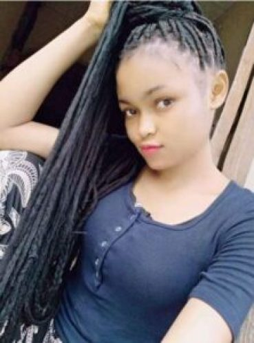"""I Can Never Marry A Broke Man With This My Beauty""- Young Lady Warns Poor Men"