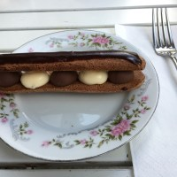 Variation on an eclair
