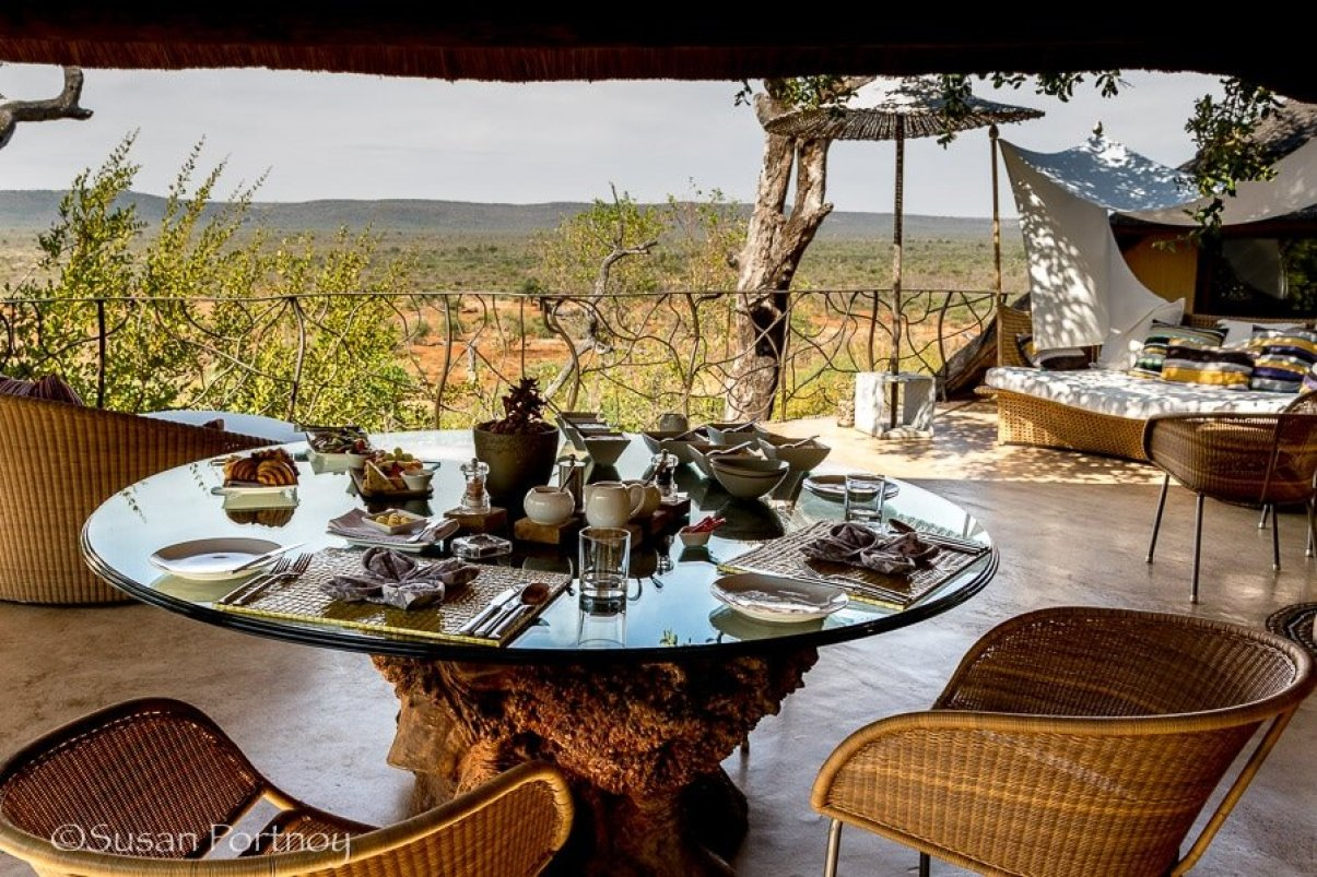 photograpahing-molori-safari-lodge-1-6