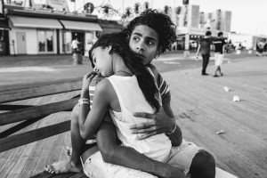 Two kinds on Coney Island - Peter Turnley New York Street Photography Workshop
