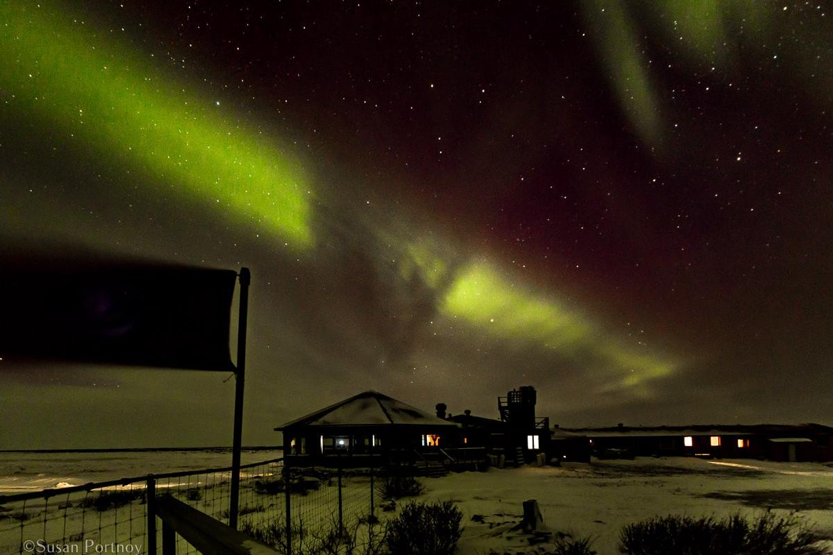 Northern Lights | Insatiable Traveler Year -end review 2017-Seal River Heritage Lodge-Manitoba-869503