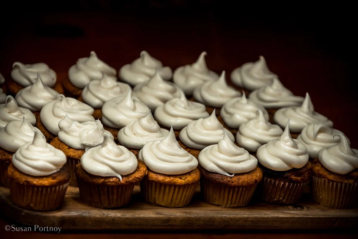 Pumpkin and black pepper cupcakes with buttercream frosting - Windjammer cruise in Maine-560320180703