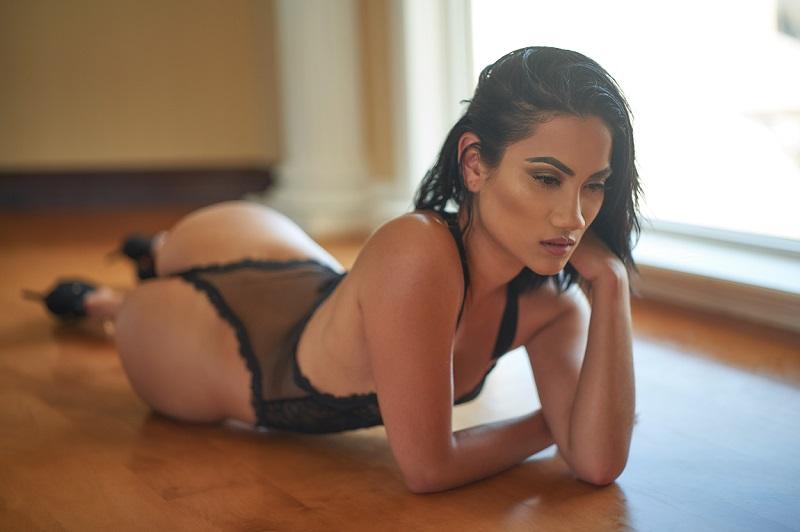 Glamour model Liz Ware
