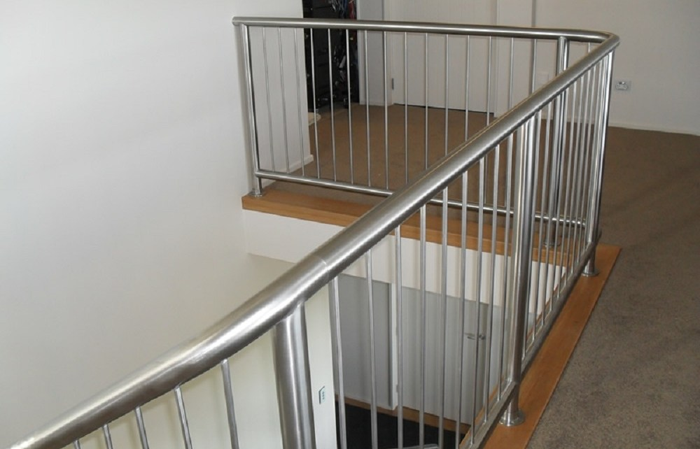 Home Decor What To Consider When Choosing A Stainless Steel Balustrade