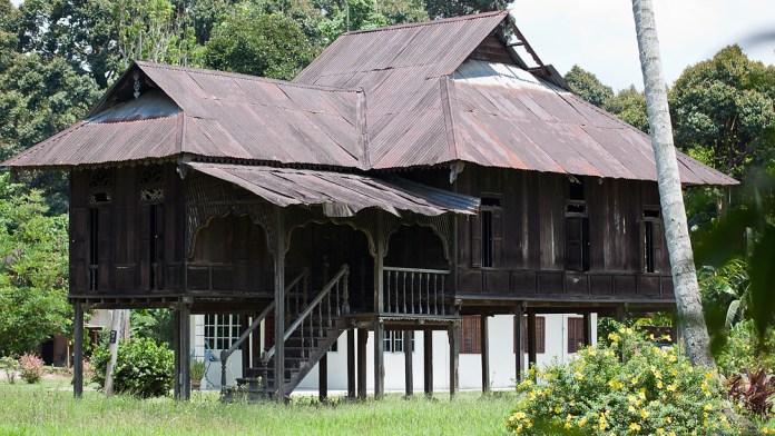 Pantun Melayu Klasik yang mempunyai nilai estetika yang tinggi