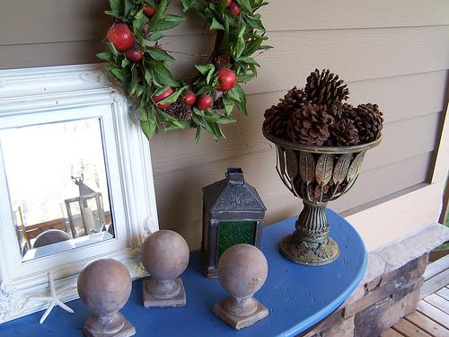 apple wreath, pinecones