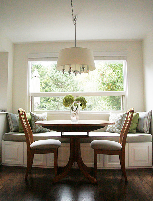 Dining banquette bench. remodelaholic build a custom corner ...