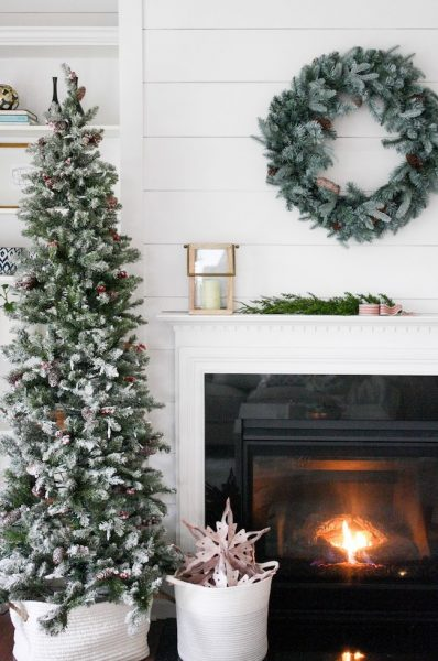 house-seven-simple-christmas-decorating