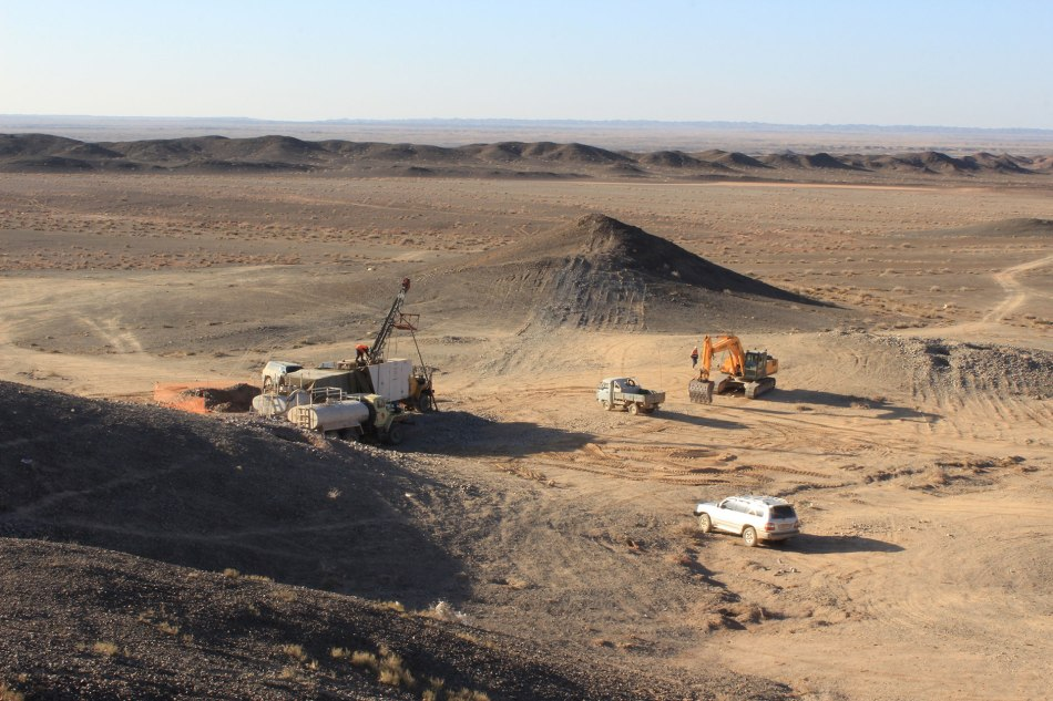 Early engagement with local communities meant that Erdene Resources was able to expand the hydrogeological study for its Bayan Khundii project in the Gobi Desert to help secure a source of water sufficient to meet everyone's needs. Image: Erdene Resources