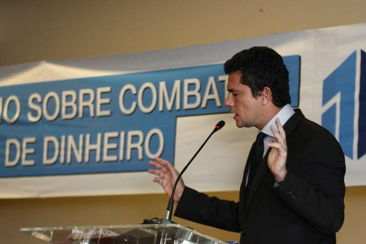 O juiz federal Sergio Moro durante o seminário sobre combate à lavagem de dinheiro na noite desta quinta-feira (17), no Bourbon Convention Hotel, em Curitiba (PR)