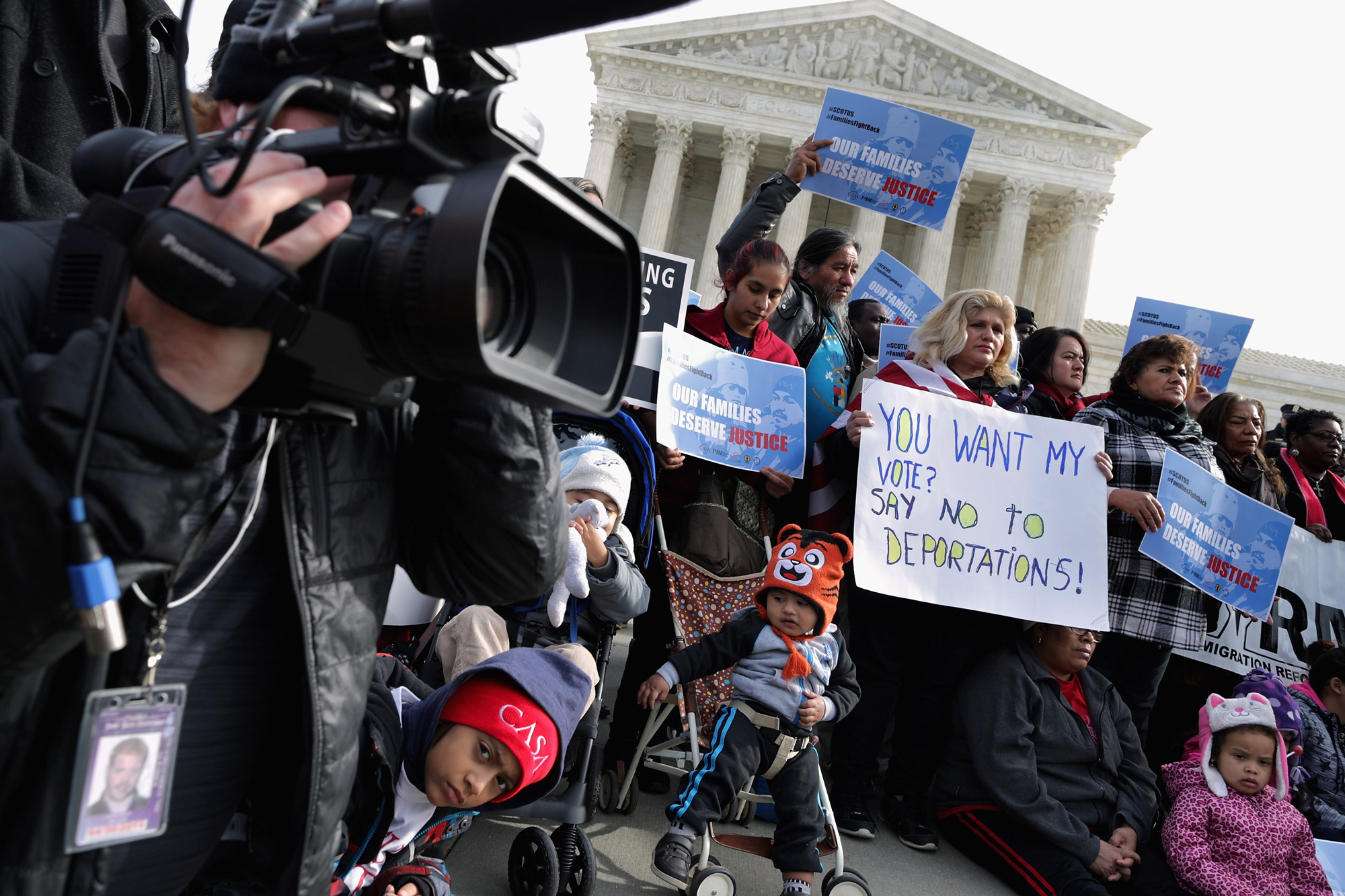 About fifty pro-immigration reform demonstrators gathered for a rally outside the United States Supreme Court January 15, 2016 in Washington, DC. Organized by immigraiton advocacy group CASA, the demonstrators called on the Supreme Court to take up and overrule a lower court's ruling against President Barack Obama's 2014 immigration executive actions, including the Deferred Action for Parental Accountability (DAPA) program and expanded Deferred Action for Childhood Arrivals (DACA) guidelines. (Photo by Chip Somodevilla/Getty Images)
