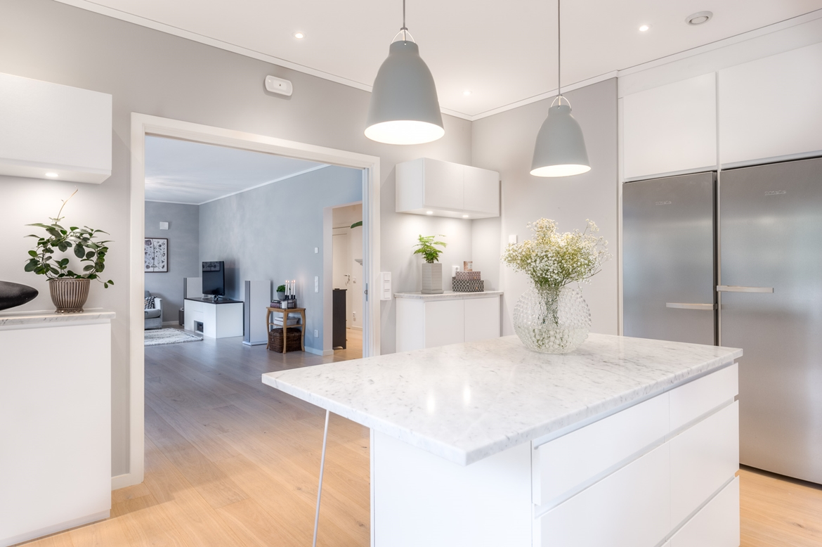 WHITE KITCHENS-PURE AND TRANQUIL DECOR THEME