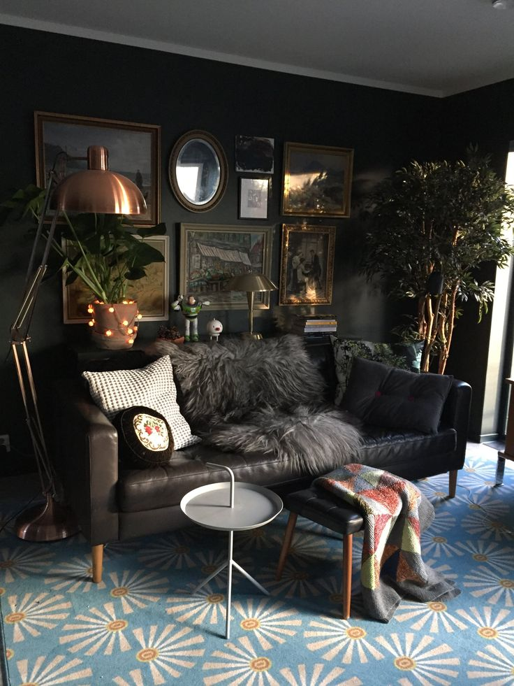 Making A Statement With A Rug. Image U2013 Apartmenttherapy