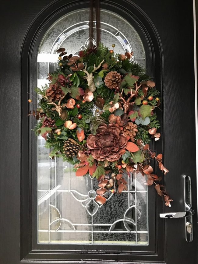 How To Create A Christmas Door Wreath With A Difference