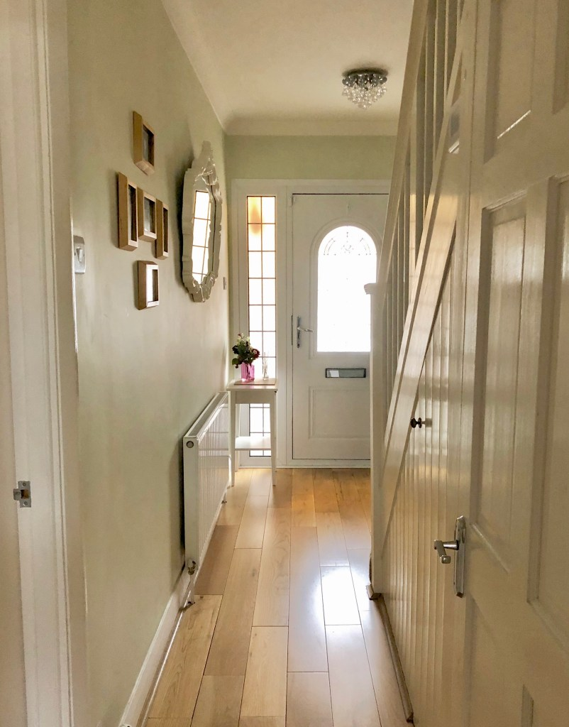 Small Hallway Makeover Plans & Top Tips To Decorate Your Own | Small narrow hallway which we are going to transform with nature inspired decor.