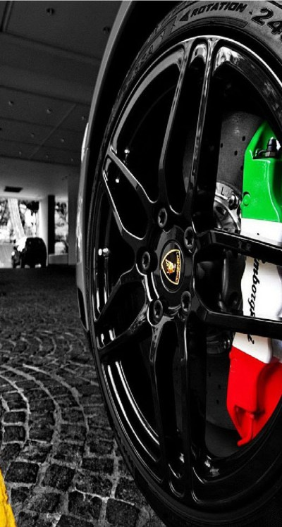 Lamborghini Wheel - The iPhone Wallpapers