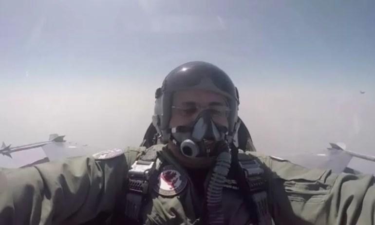 Shahid Khaqan Abbasi fly F16 (2)