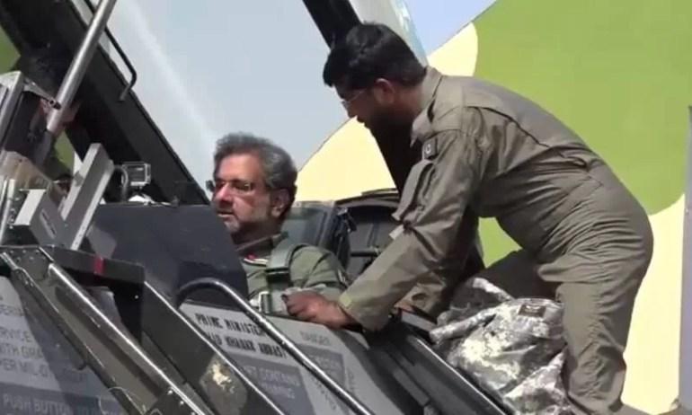 Shahid Khaqan Abbasi fly F16 (4)