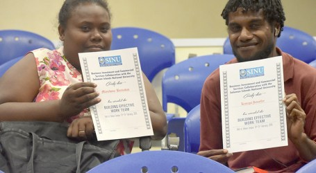 Trainees receive certificates under COLLC Short Courses