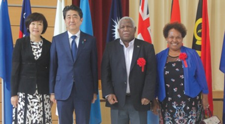PM Hou joins Japanese PM in wreath laying ceremony