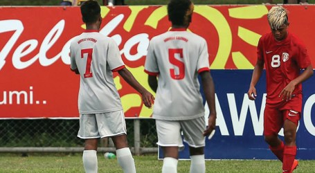 Three players see red as Tahiti edged New Caledonia