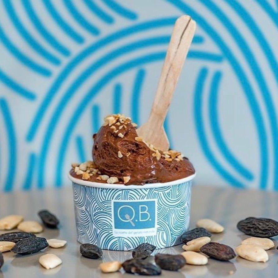 best gelato in milan: chocolate ice cream with wooden spoon