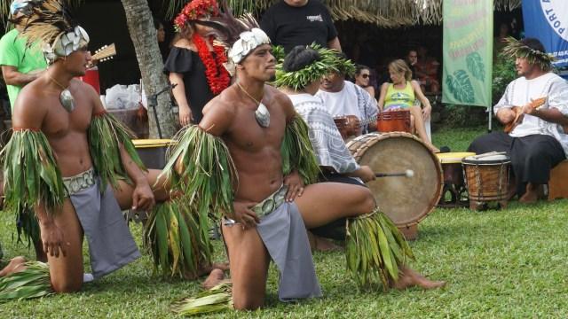 male tahitian dancers
