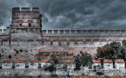 fortress_wall_in_istanbul_hdr