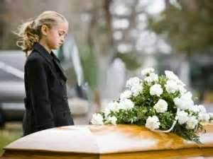 Child-looking-at-casket