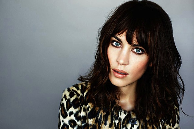 alexa-chung-british-model-hair-ag-jeans