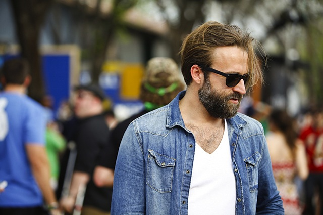denim-street-style-the-jeans-blog-23