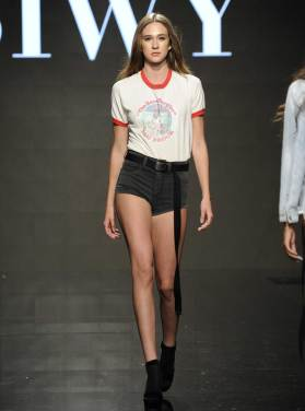 siwy-ss17-runway-show-denim-jeans-8