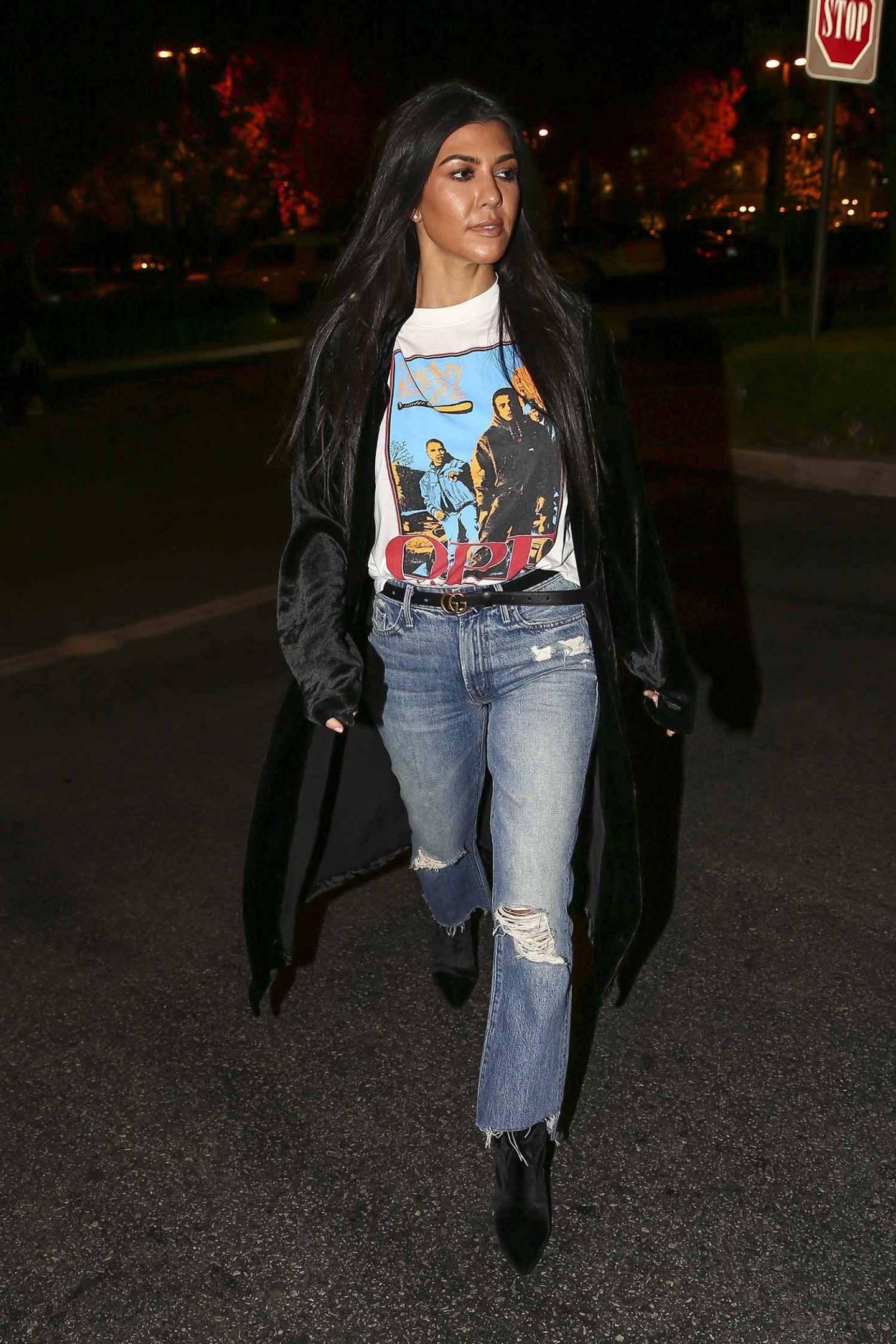 kourtney-kardashian-mother-jeans