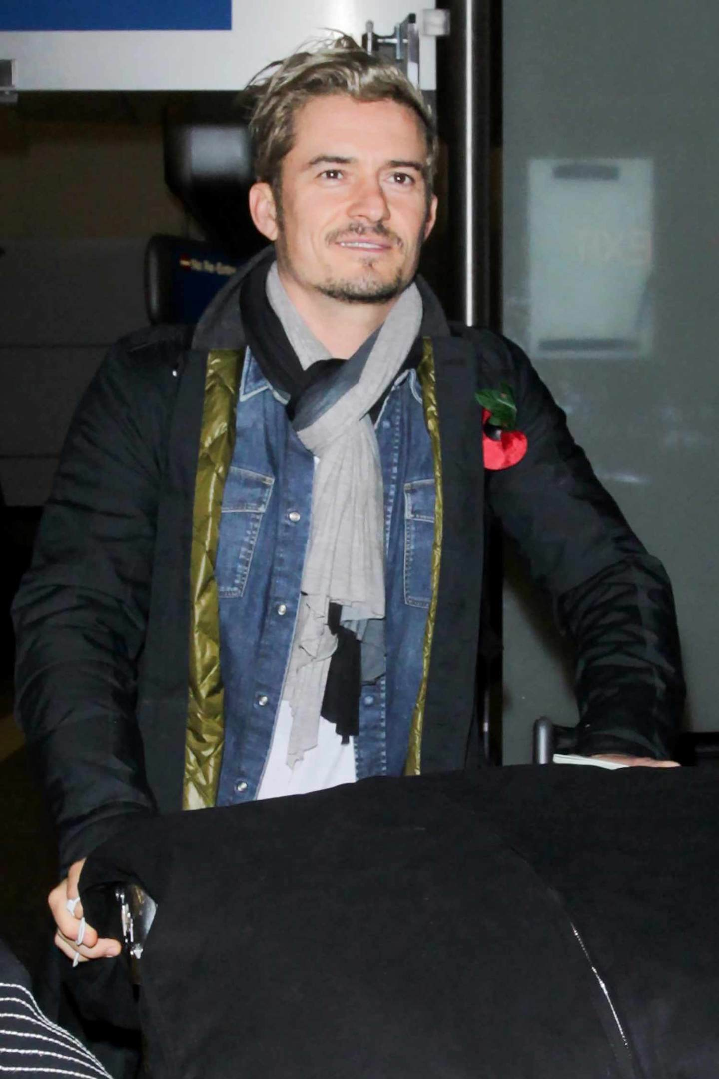 orlando-bloom-denim-shirts-2