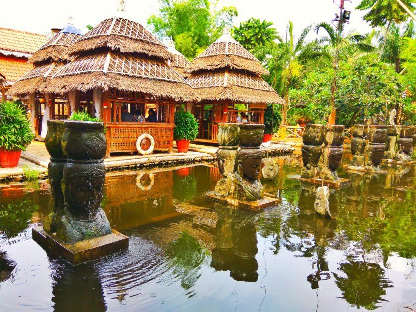 Isdaan Floating Resto - Fun Park - www.thejerny.com
