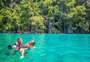 Kayangan Lake , Coron - http://thejerny.com