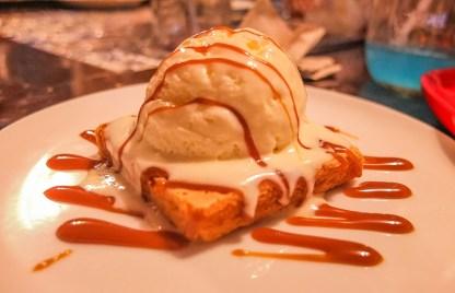 Baked Cheesecake a la Mode