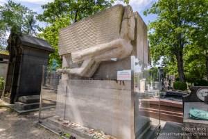 Oscar Wilde grave at Pére Lachaise Cemetery