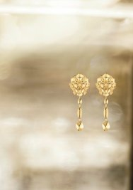 Lion Pépite earrings YG