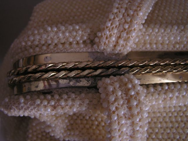 Fabulous 1950-1960s Cream Colored Beaded Purse Interior Metal Top Purse Detail