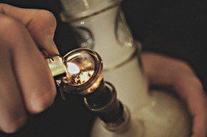 bong-bud-fire-lighter-marijuana-Favim.com-114485